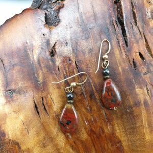 🌵 Vintage red agate gemstone gold Jade dainty